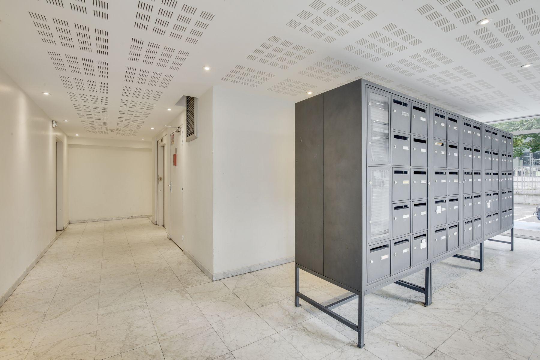 LOGIFAC résidence étudiante Maximilien Perret Alfortville boite aux lettres
