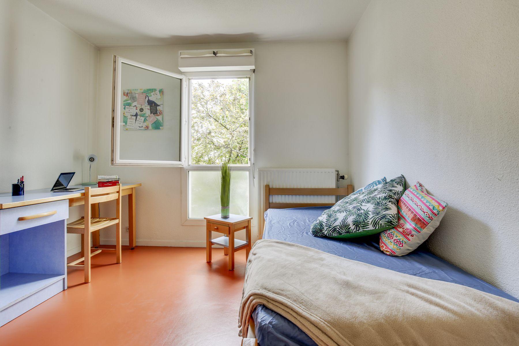 LOGIFAC résidence étudiante Maximilien Perret Alfortville chambre