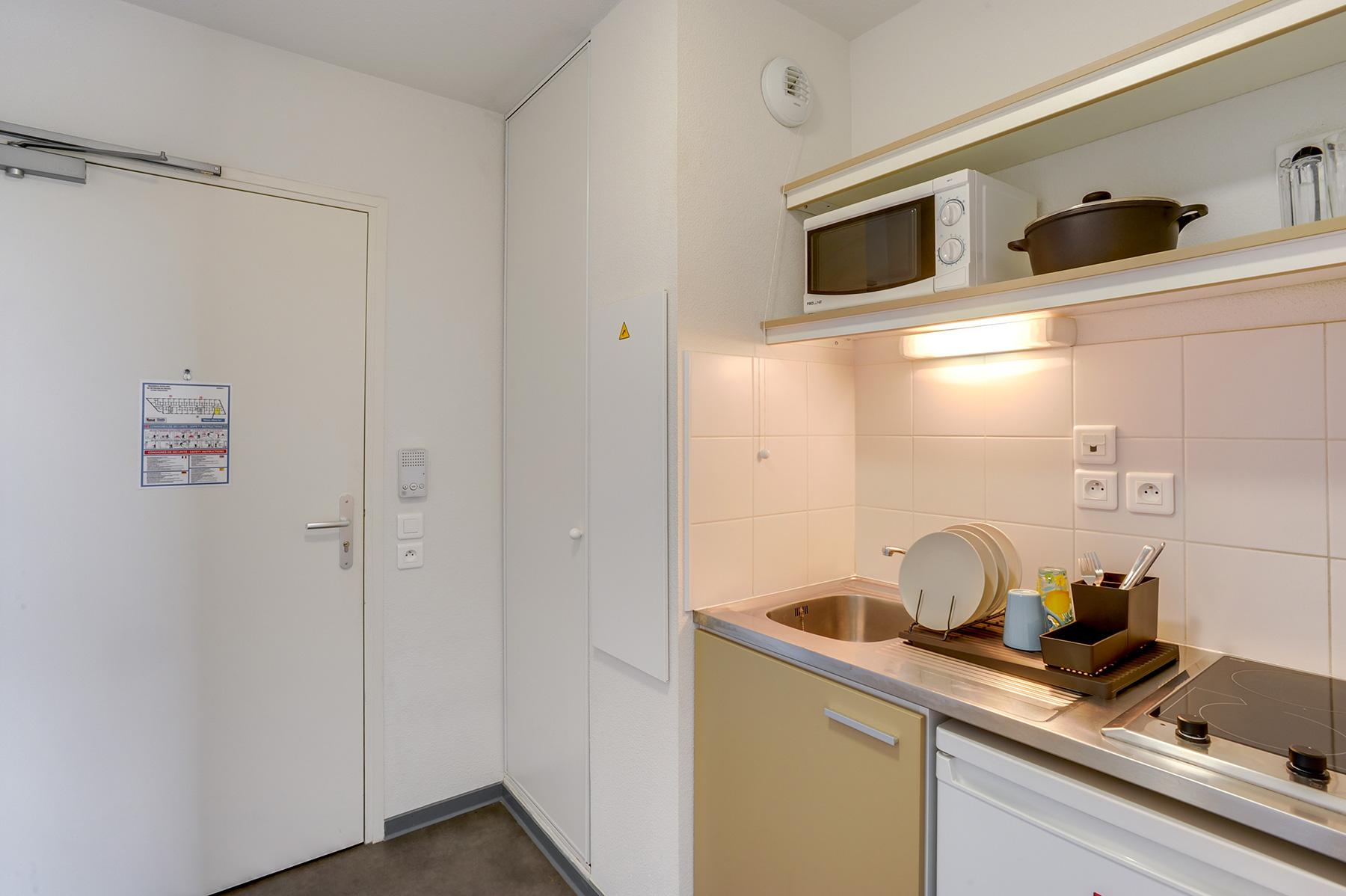 résidence étudiante LOGIFAC Toulouse Le Cerdana kitchenette