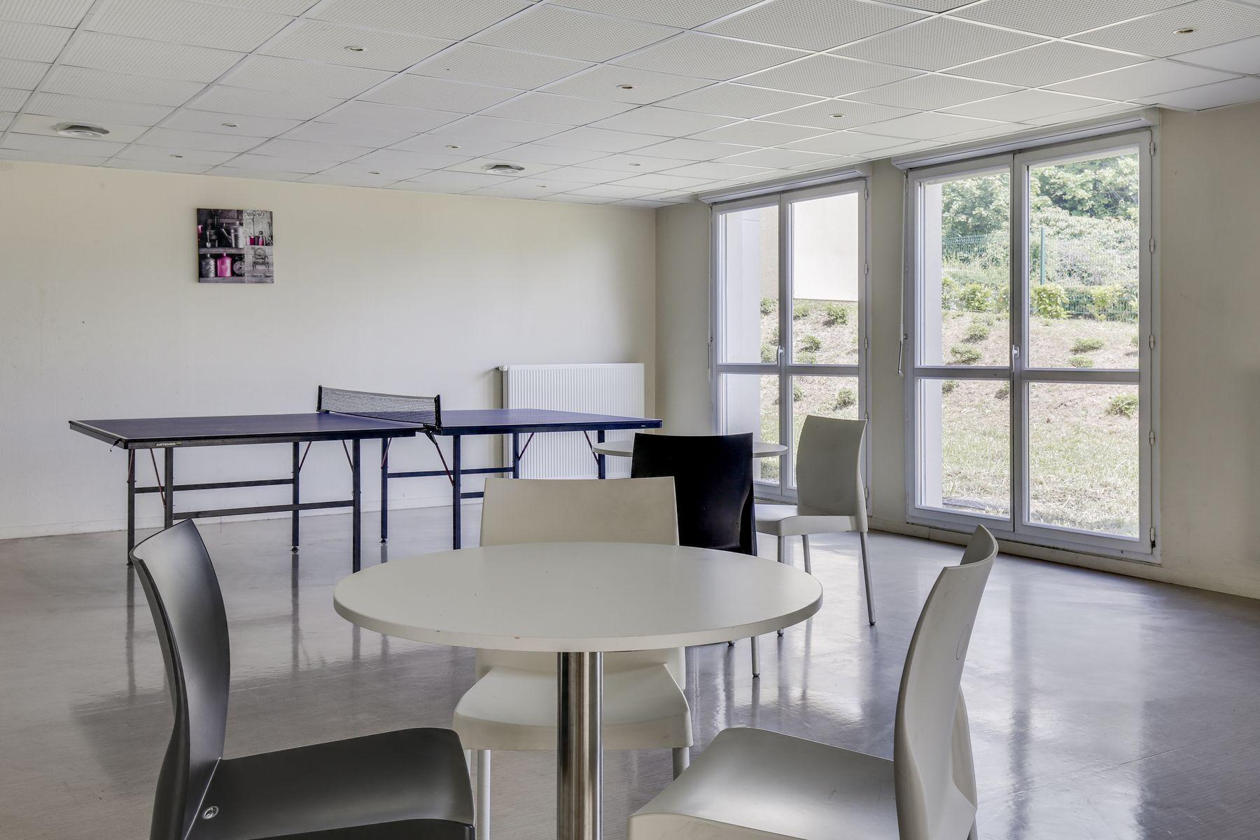 LOGIFAC résidence étudiante Compas Palaiseau salle commune