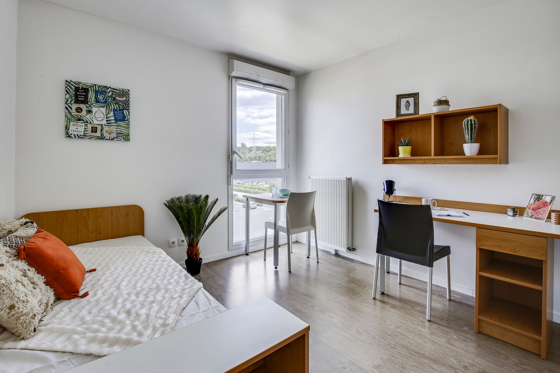 LOGIFAC résidence étudiante Compas Palaiseau placards et lit