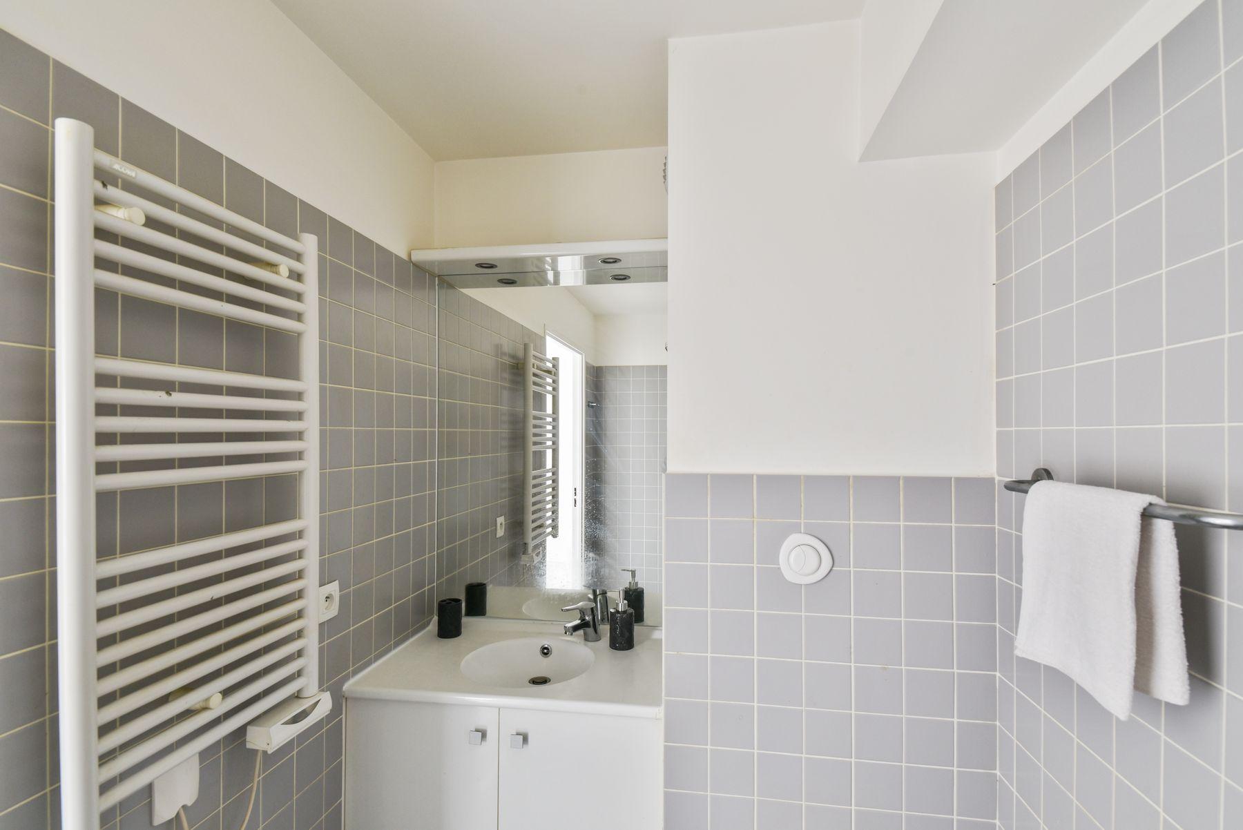 LOGIFAC résidence étudiante Condorcet Aubervilliers salle d'eau