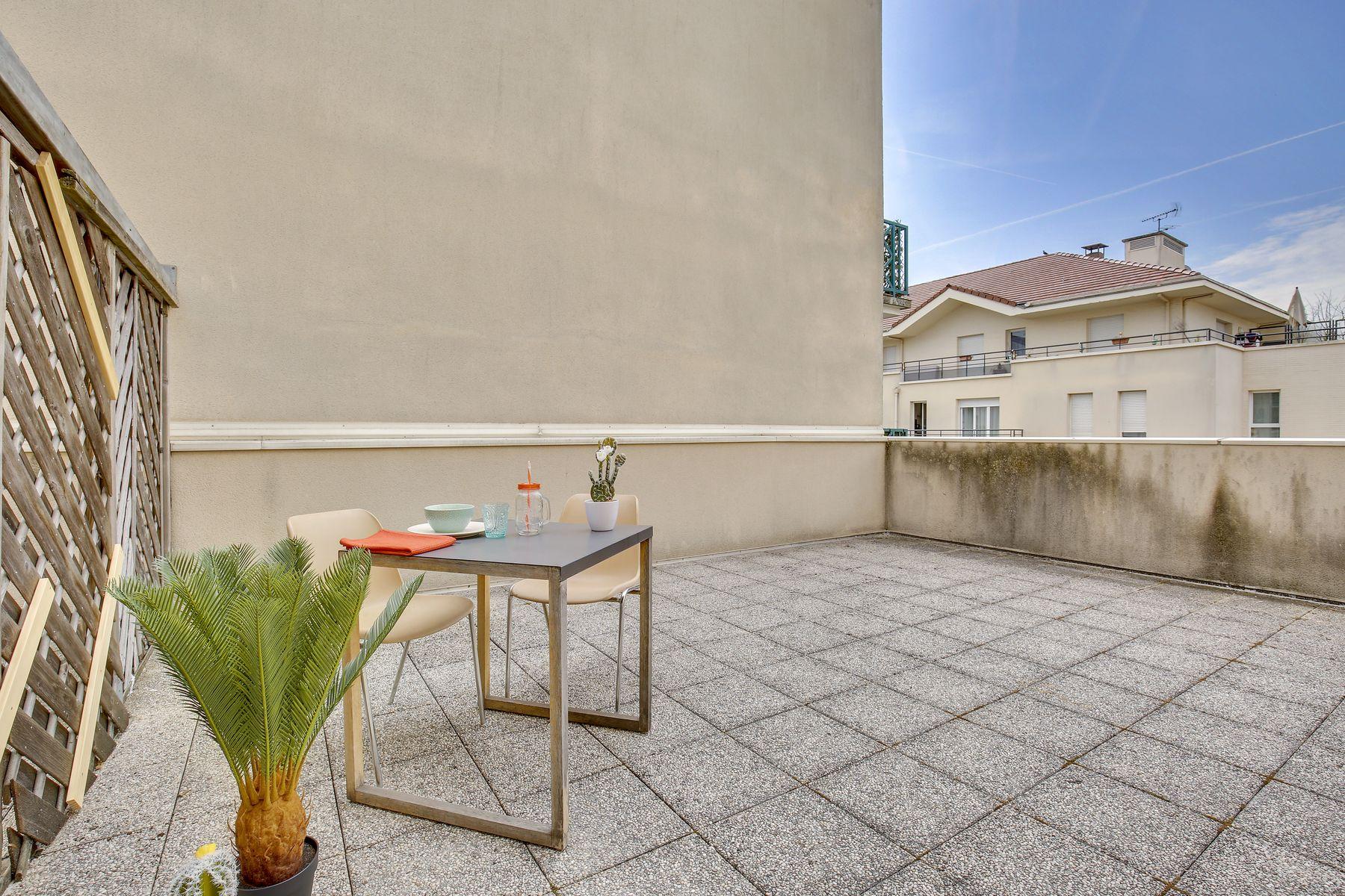 LOGIFAC résidence étudiante Ecrivains Carrières sur seine terrasse aménagée