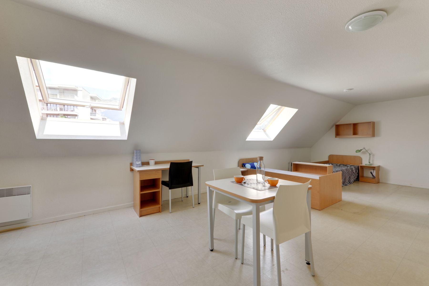 LOGIFAC résidence étudiante Anthoard Grenoble studio mansardé