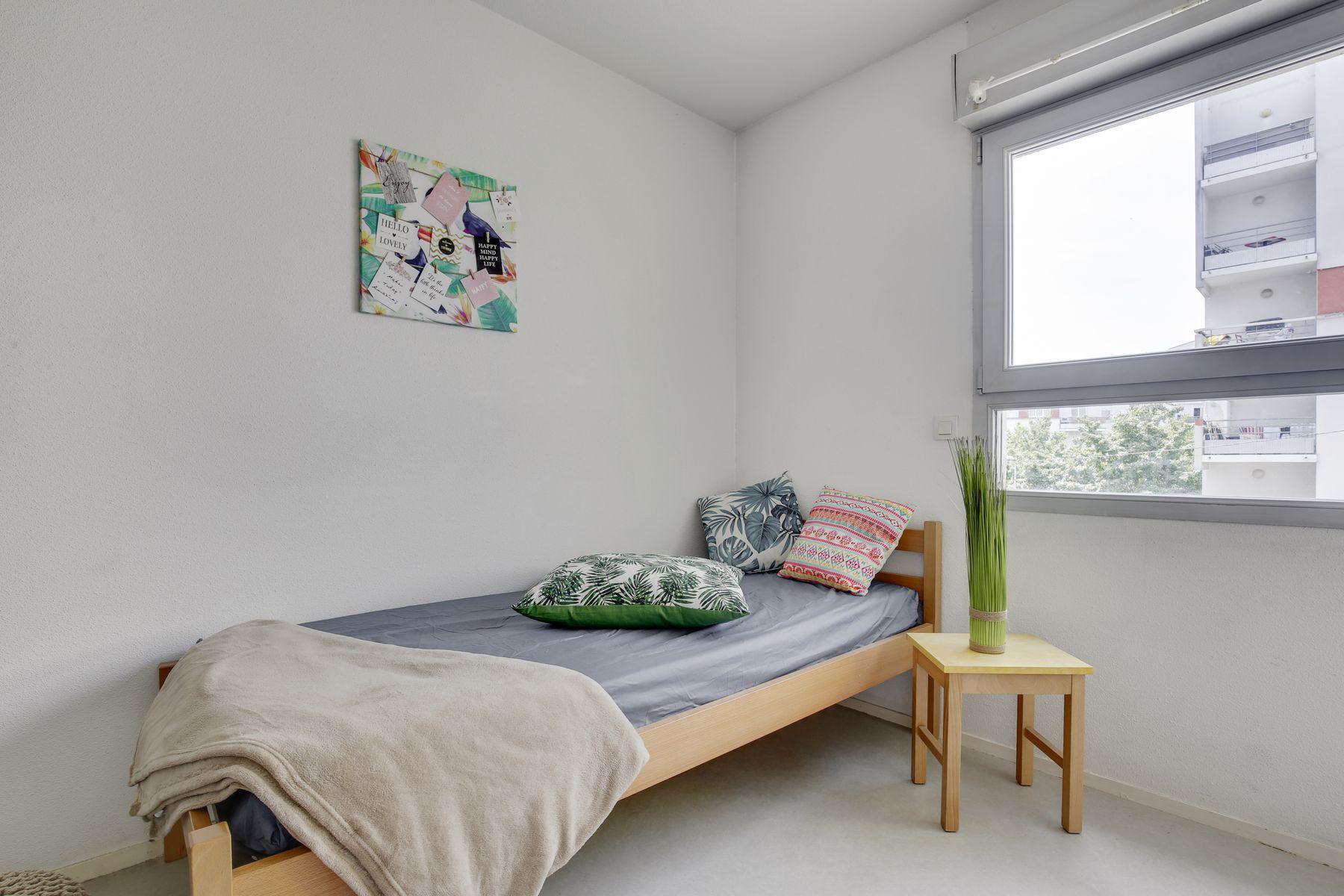LOGIFAC résidence étudiante Léo Ferré Orly lit
