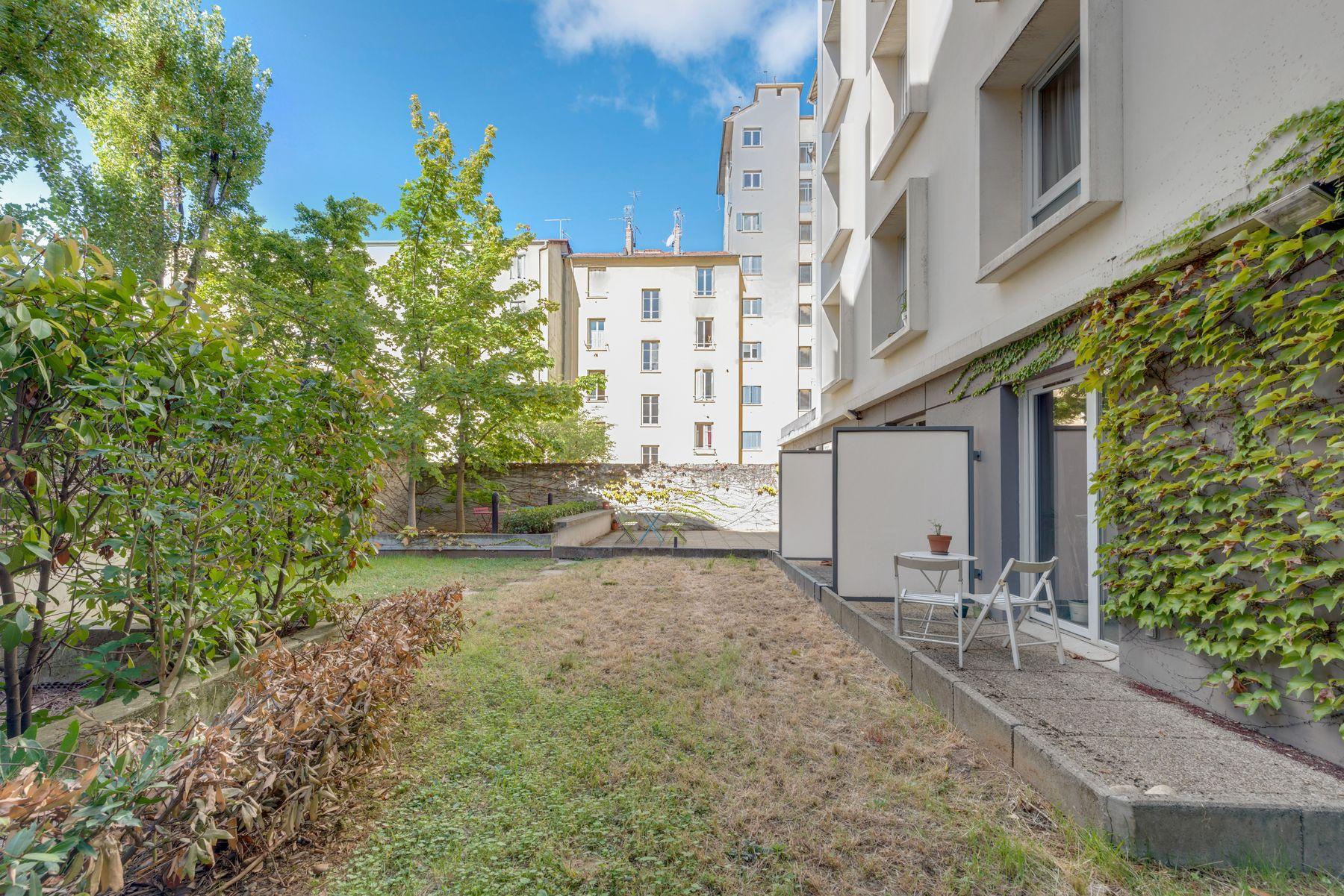 terrasse résidence étudiante LOGIFAC Rimbaud Lyon