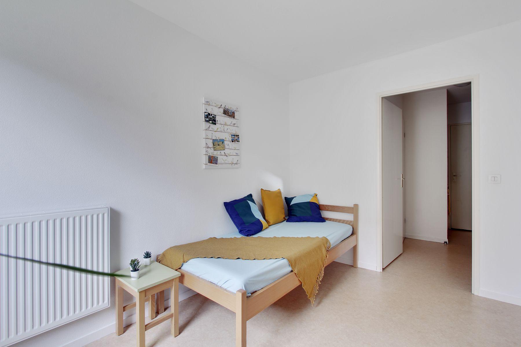 LOGIFAC résidence étudiante Bon temps Melun lit et coussins