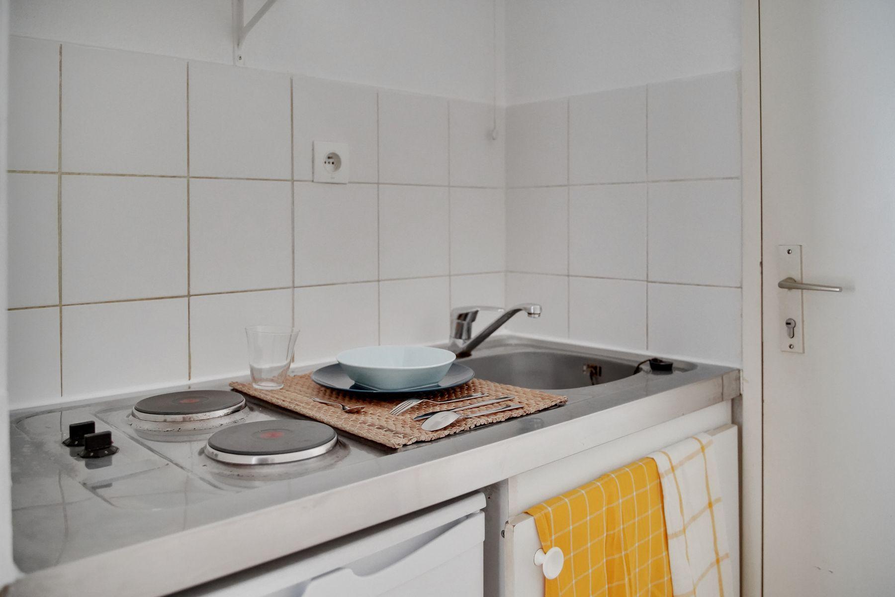 LOGIFAC résidence étudiante Bon temps Melun cuisine et rangements
