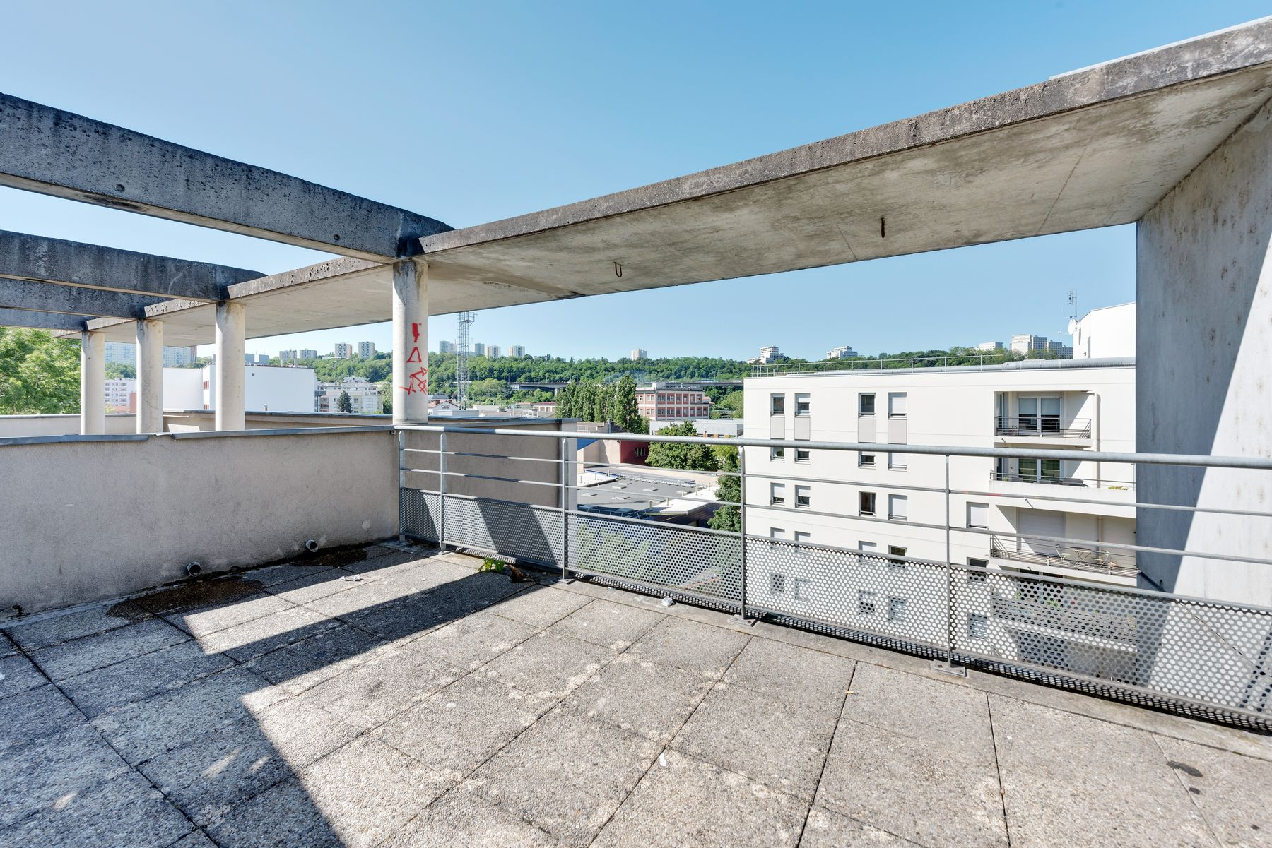 Maison des Étudiants du Rhône LOGIFAC résidence étudiante terrasse