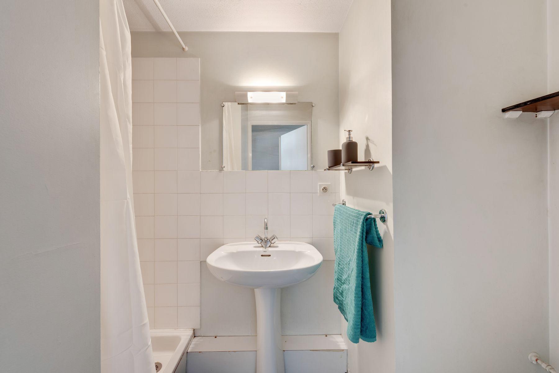 Maison des Étudiants du Rhône LOGIFAC résidence étudiante salle d'eau