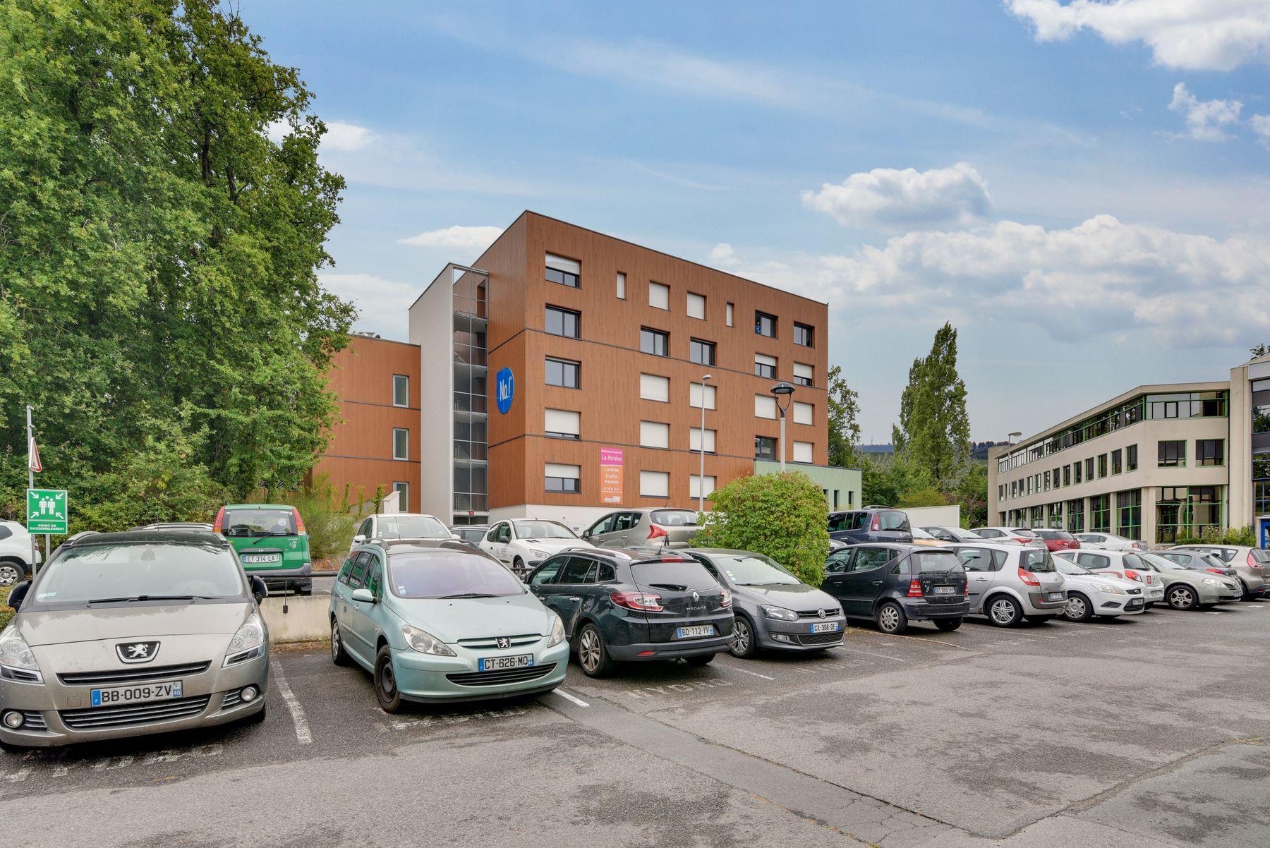 parking résidence étudiante LOGIFAC La Rivière Nantes