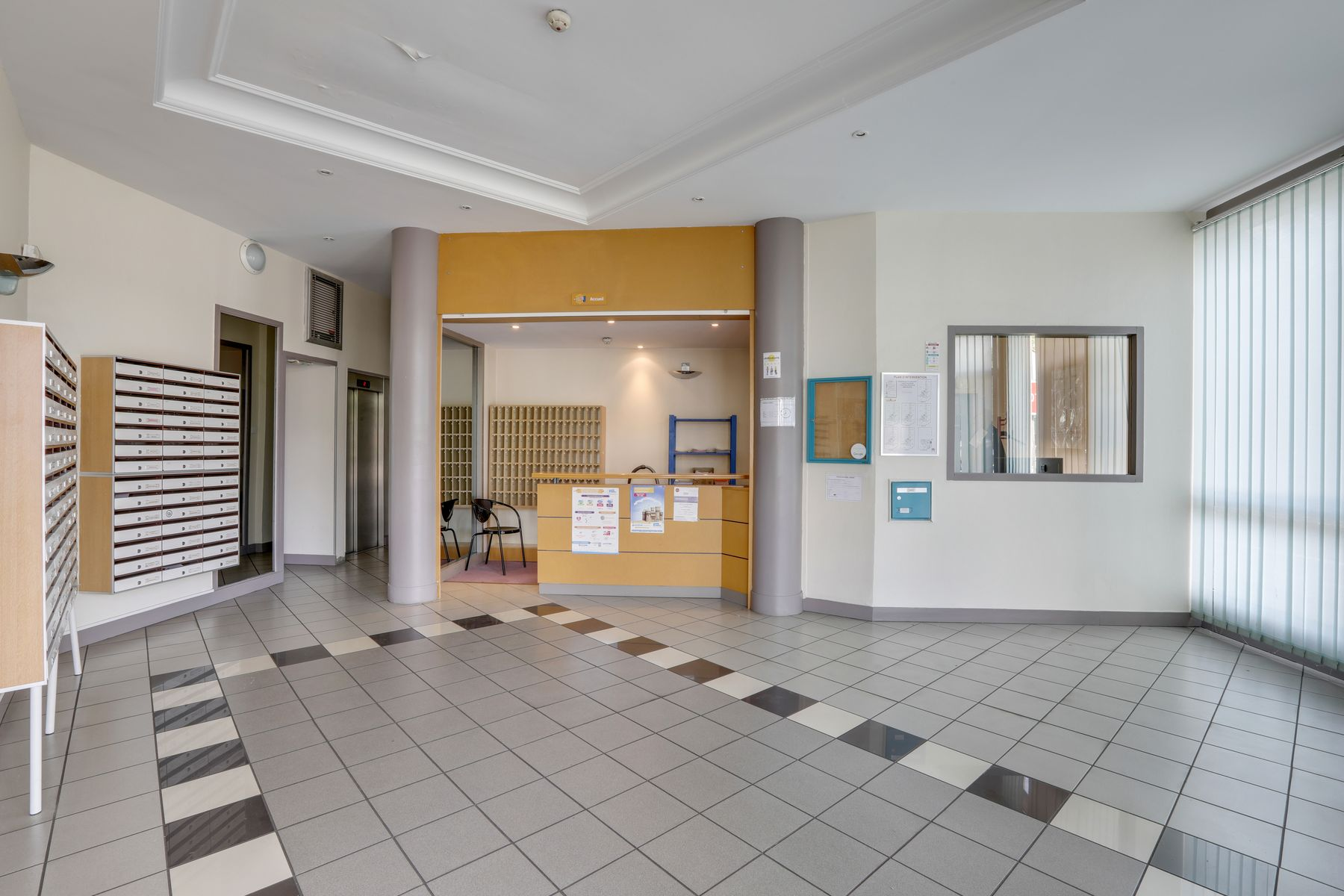 LOGIFAC résidence étudiante Pasteur Rouen entrée