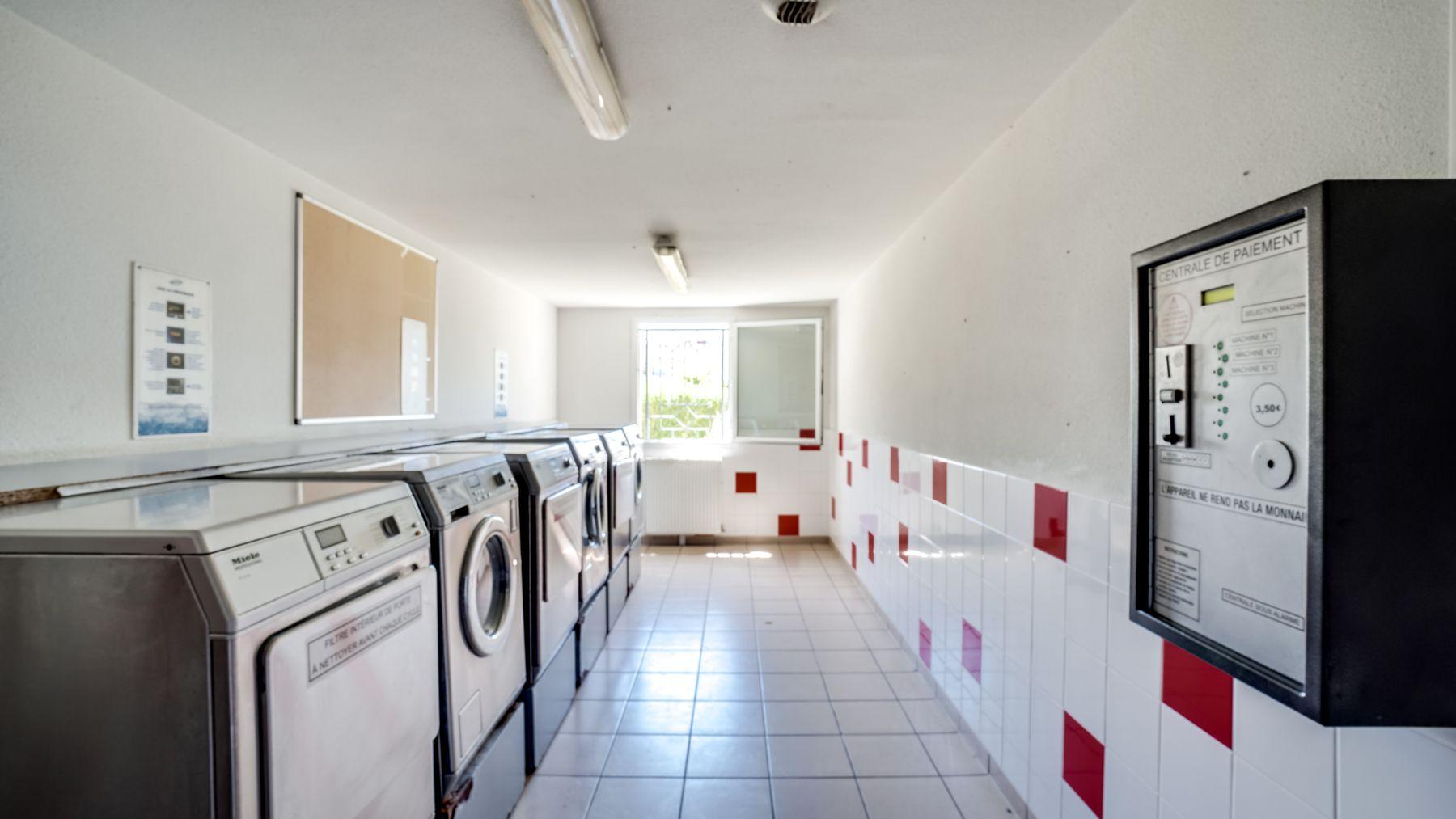 LOGIFAC résidence étudiante Picasso Villeneuve laverie