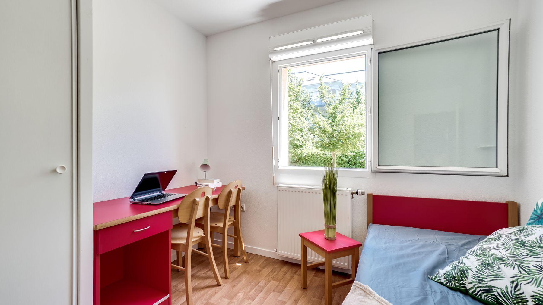 LOGIFAC résidence étudiante Picasso Villeneuve studio équipé