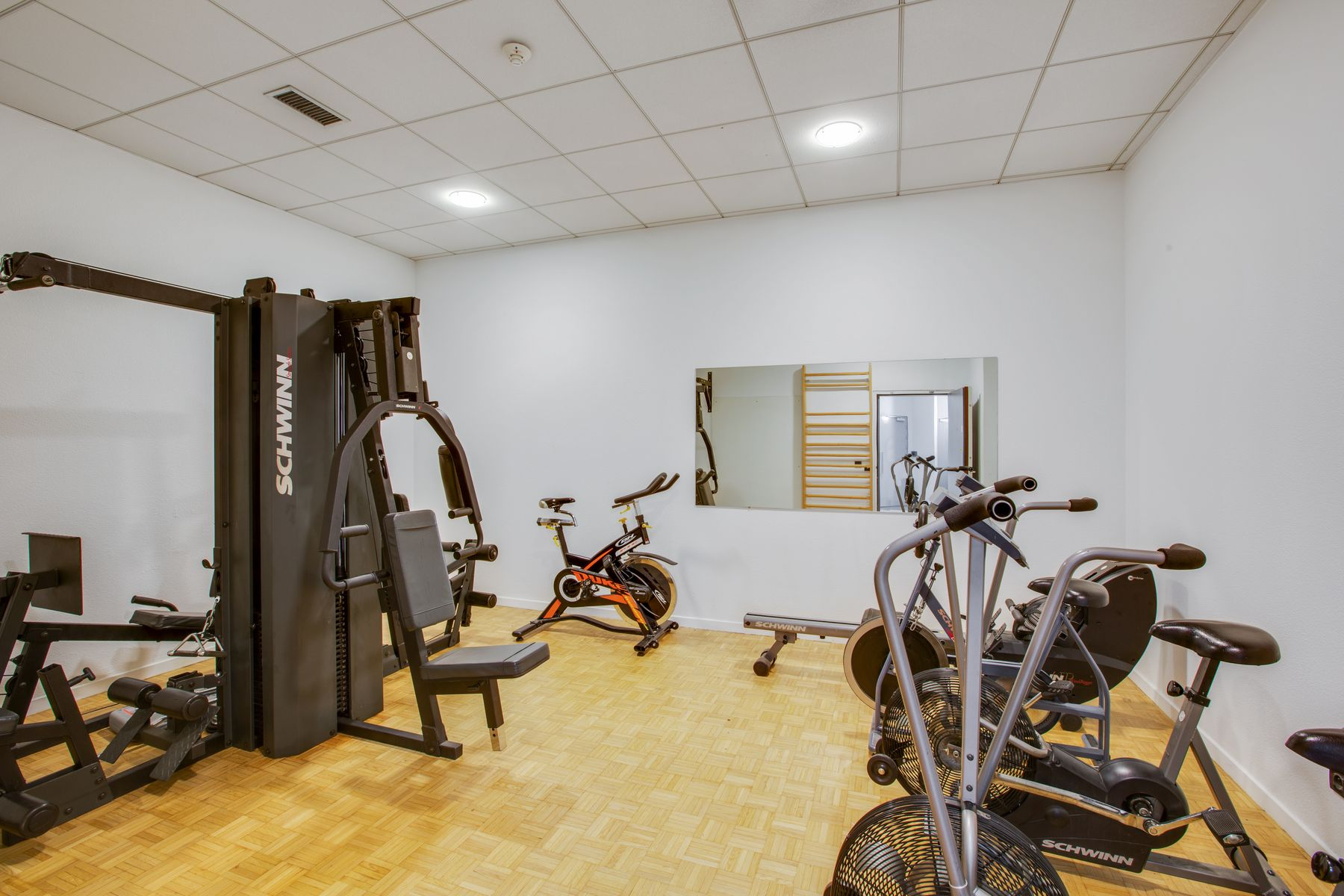 LOGIFAC résidence étudiante Porte de Montmartre Paris machines sport