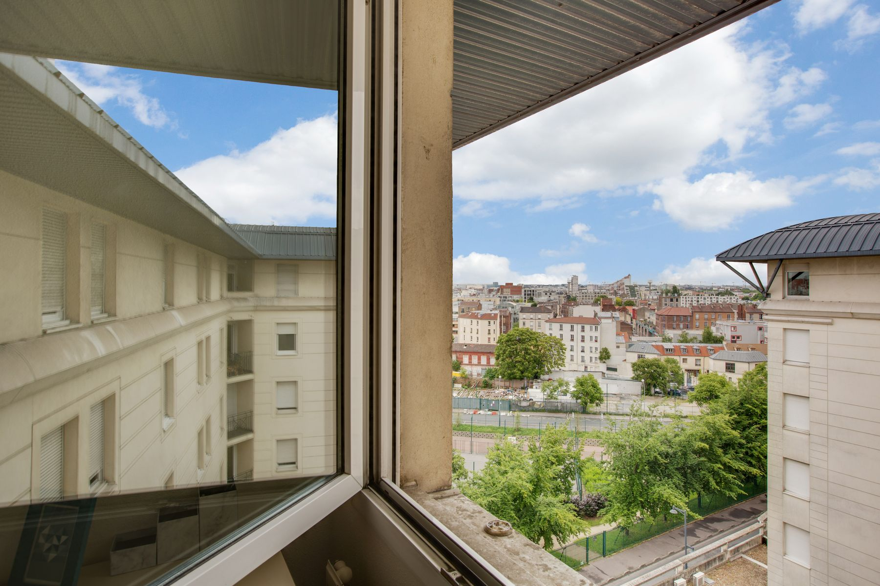 LOGIFAC résidence étudiante Porte de Montmartre vue Paris