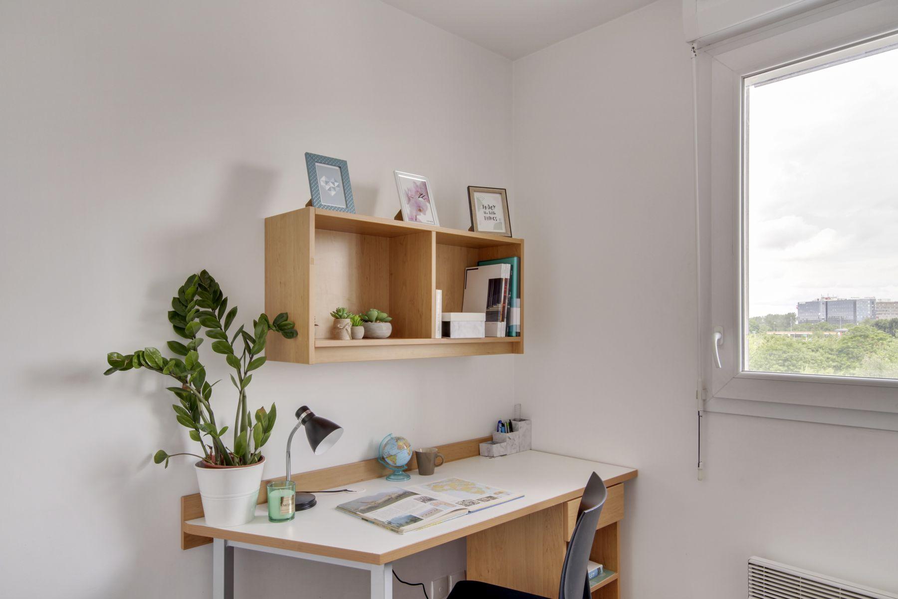 LOGIFAC résidence étudiante Prunais Villiers sur Marne bureau et déco