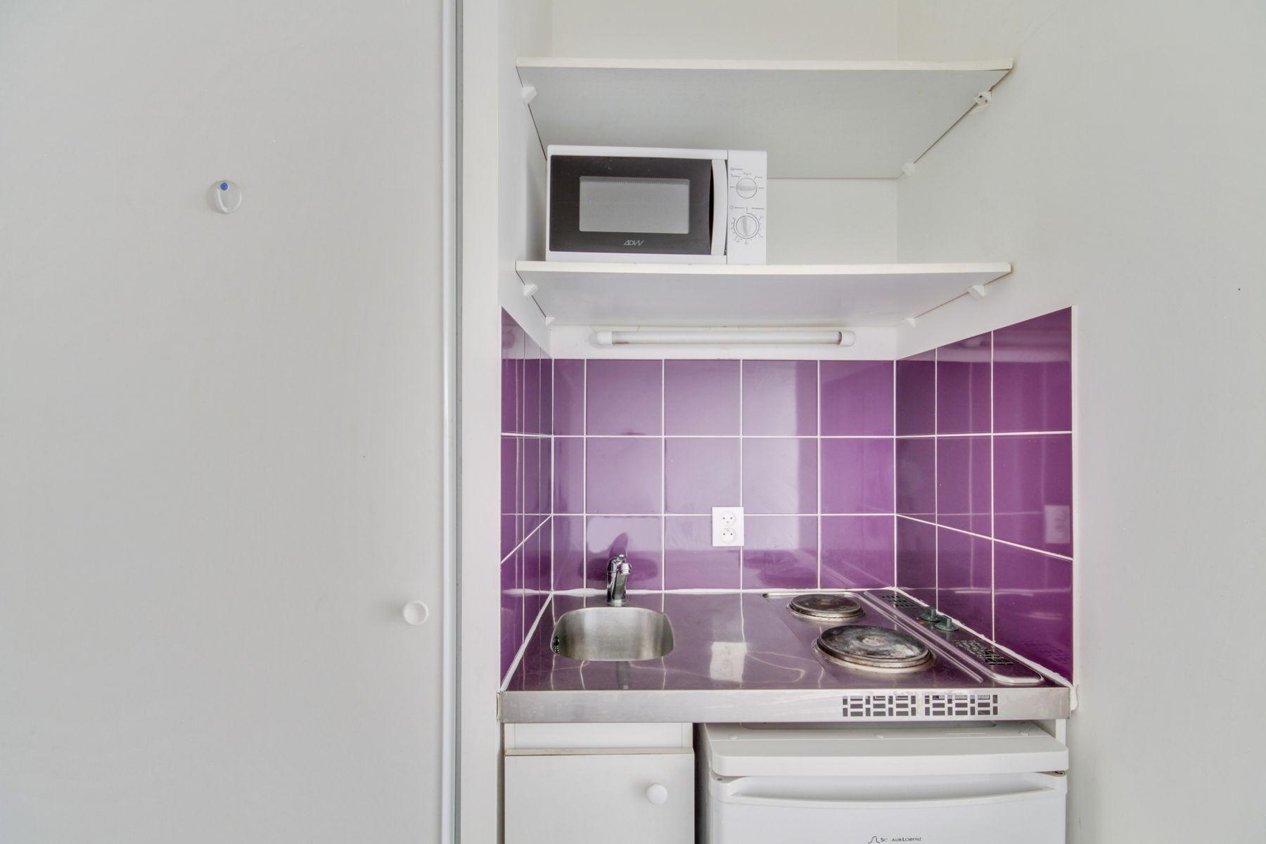 LOGIFAC résidence étudiante Prunais Villiers sur Marne kitchenette