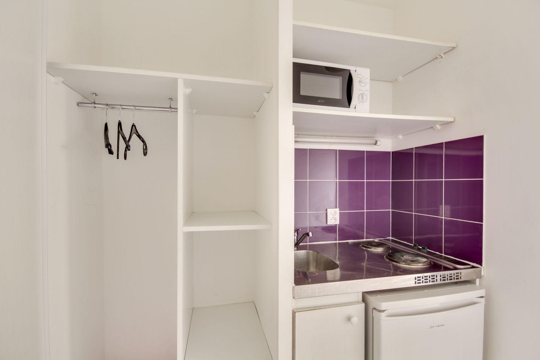 LOGIFAC résidence étudiante Prunais Villiers sur Marne coin cuisine rangements
