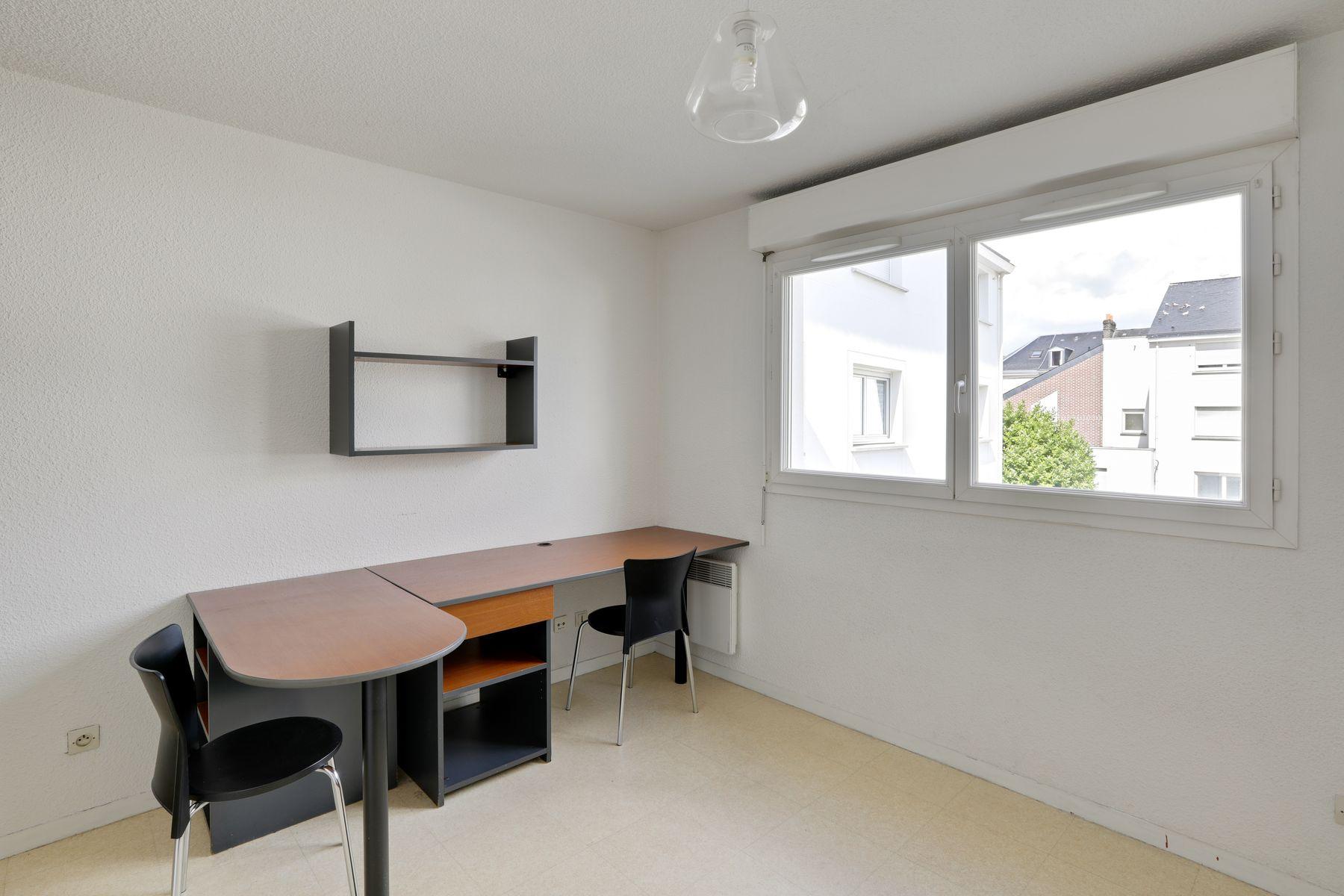 LOGIFAC résidence étudiante Stanford Rouen bureau double