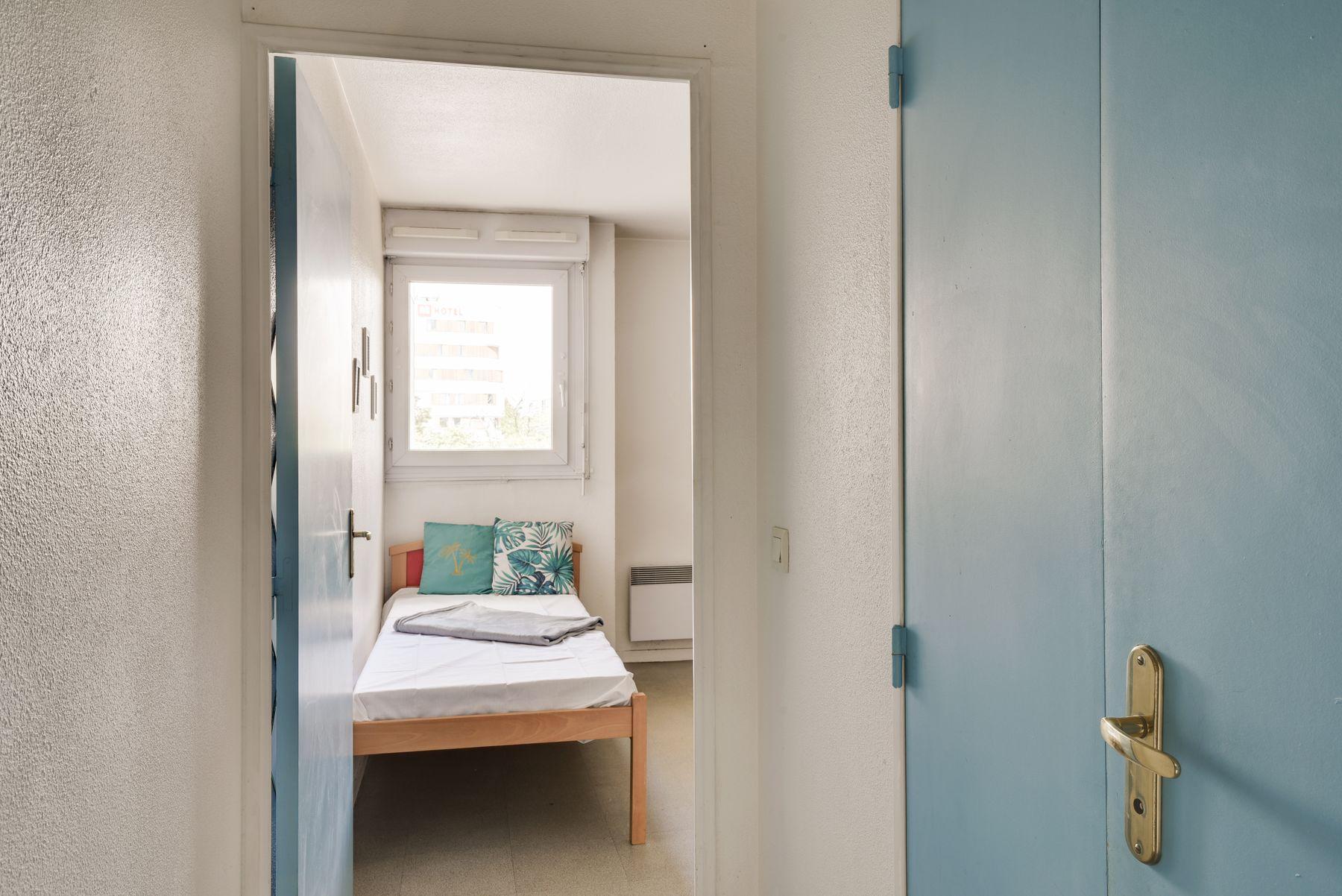 LOGIFAC résidence étudiante Saint-Mandéen Paris lit