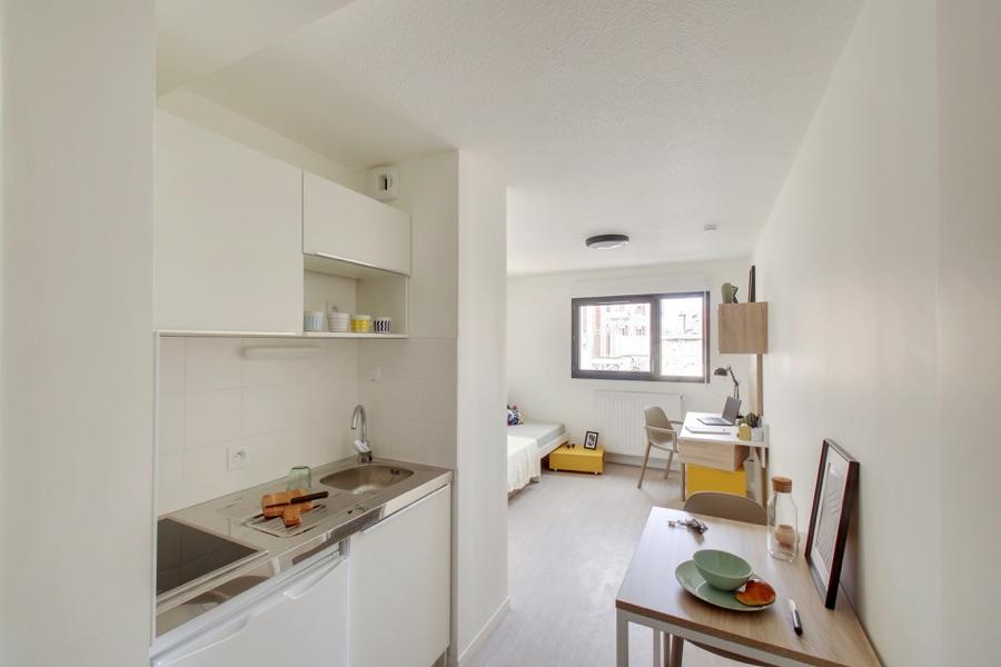LOGIFAC résidence étudiante Sirius St Priest en jarez kitchenette et séjour